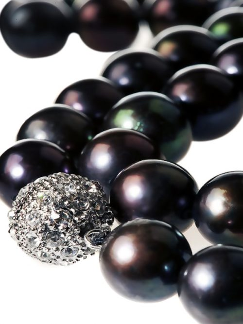 10.5_-_11.5mm_18_Inch_Tahititan_Black_Baby_South_Sea_Pearl_Necklace_Closeup.600