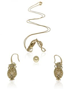 PACIFIC PEARLS BUA BAY COLLECTION Wise Owl 18K Yellow Gold Diamond Pavé Pearl Locket Pendant & Earrings
